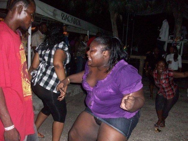 dance big girl, no panty 40695_146161852071109_100000318860973_295154_6844595_n2
